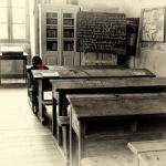 Estudiante en clases solitaria