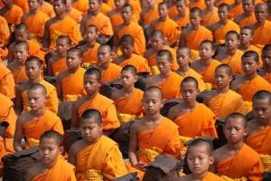 grupo meditando